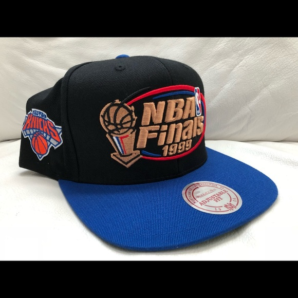 e1ee7133a9e NBA Finals NY Knicks Mitchell   Ness Hat Snapback